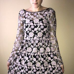 True Decadence Womens embroidered floral Size 6